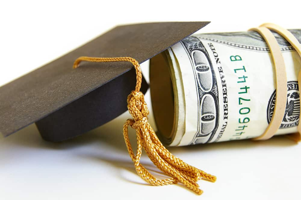 """Featured image for """"The Best College Loan for Students"""""""
